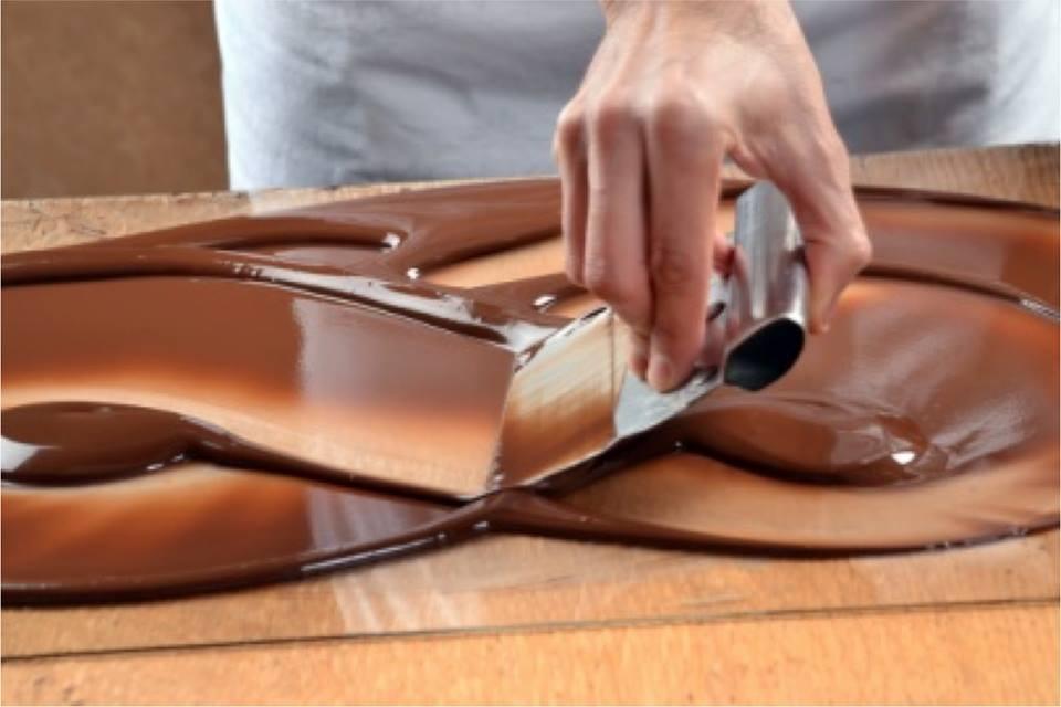 Templado manual del chocolate   Chocolates Artesanos Isabel