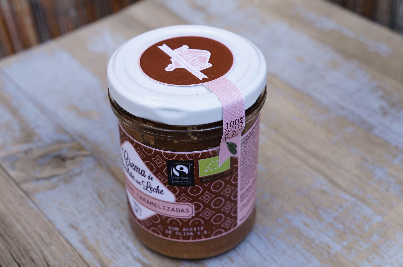 Crema de Chocolate para untar. Crema de Chocolate con Leche con Almendras Caramelizadas y Flor de Sal.
