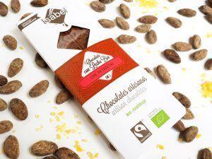 Tableta Chocolate con Leche con Petazetas de Limón - BIO y ECO 3