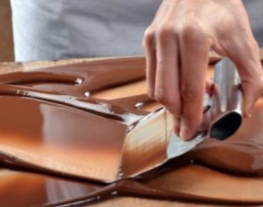 Templado manual del chocolate | Chocolates Artesanos Isabel